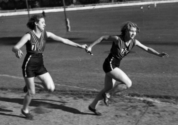 Public engagement is like a relay race where there is a stringent sequence of events and crucial information needs to be carefully passed forward. Photo credit: State Library of Queensland.